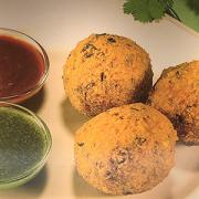 3 Pieces of Dal Vada